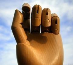 hand-214098_1920